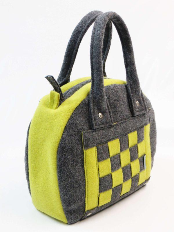 Lateral de carteira burel em xadrez cinza e verde lima da Jutina