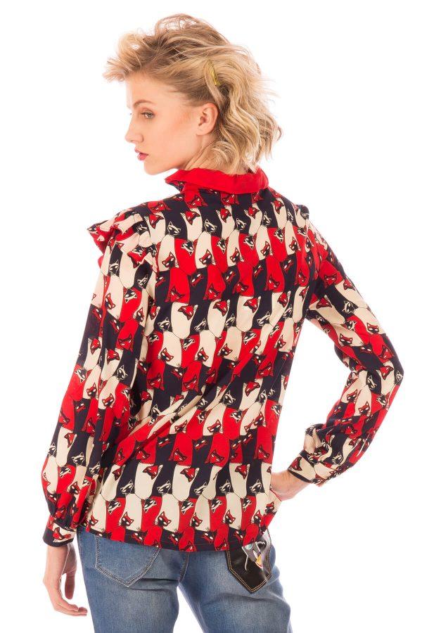 Costas de blusa print gatos em tons de vermelho para mulher da Minueto