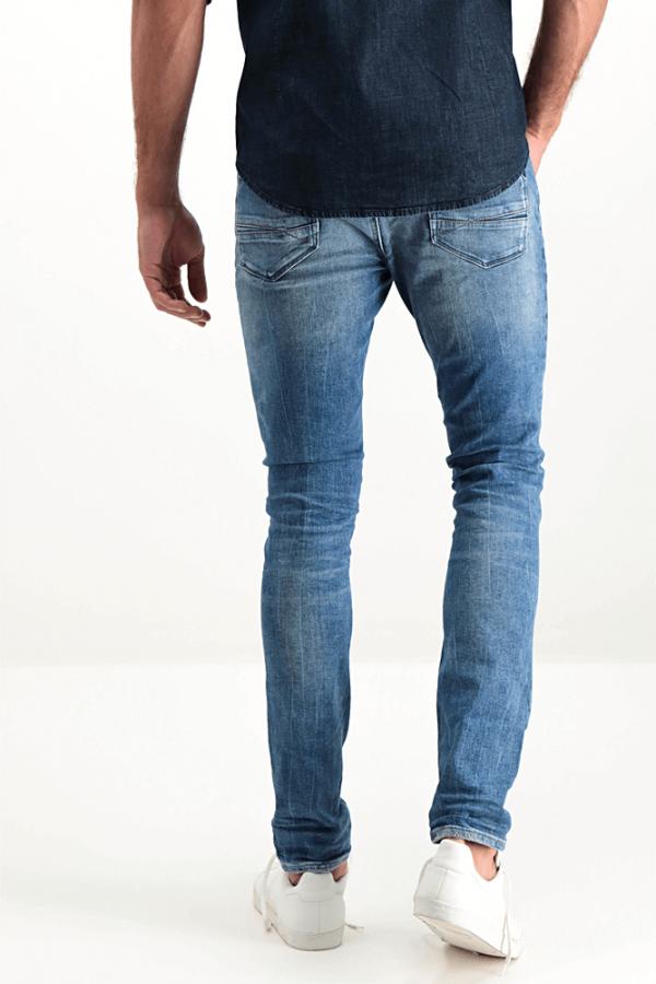 Parte de trás das calças de ganga super slim para homem da Garcia Jeans