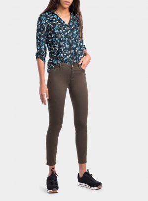 Frente de calça básica de sarja verde cinta média para mulher da Tiffosi