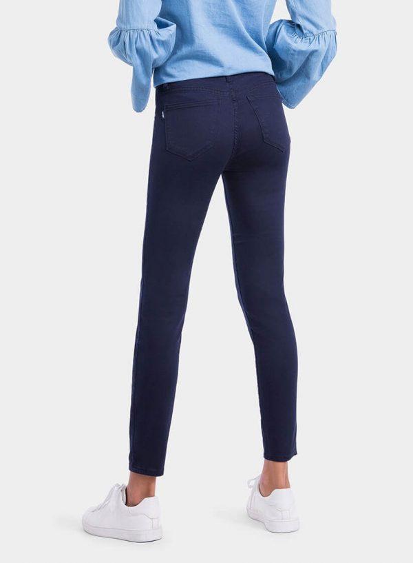 Parte de trás de calça básica de sarja azul cinta média para mulher da Tiffosi