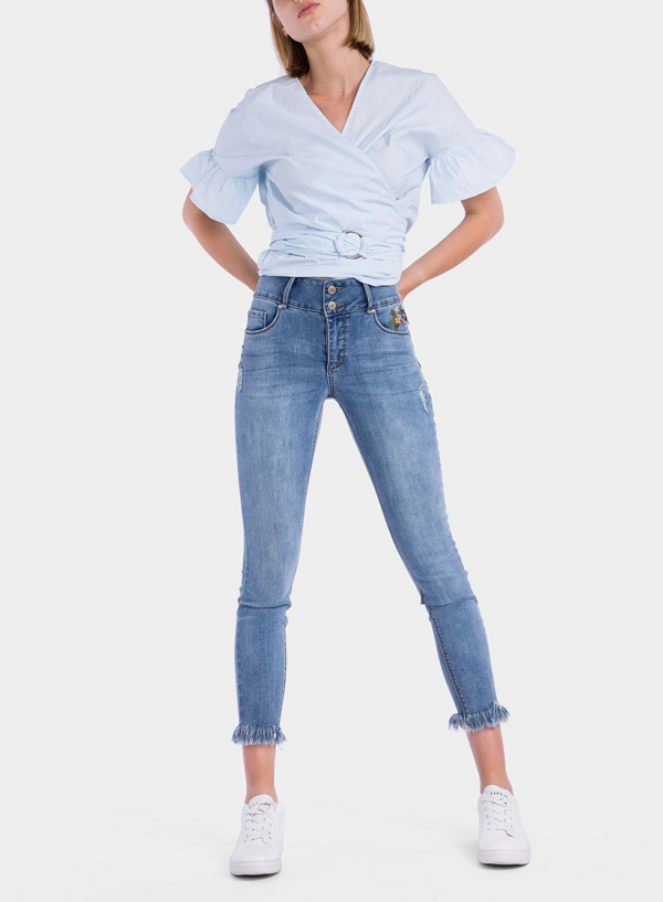 Frente de jeans light Double-Up Skinny flor bordada da Tiffosi