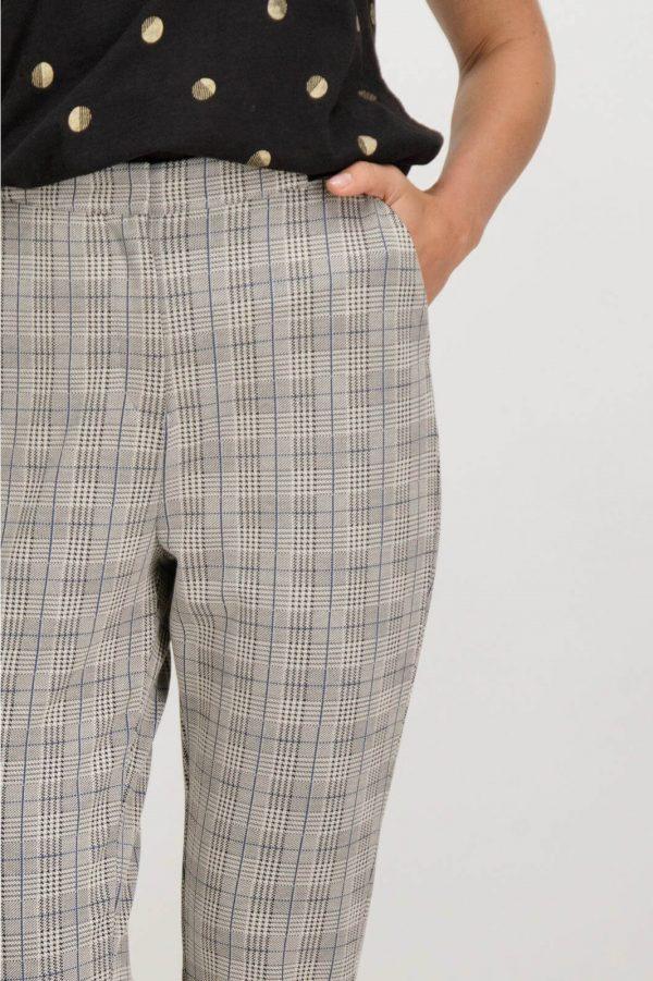 Pormenor de calças regular em xadrez Garcia Jeans para mulher