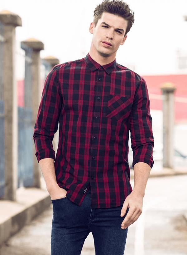 Frente de camisa regular fit xadrez vermelho para homem da Tiffosi