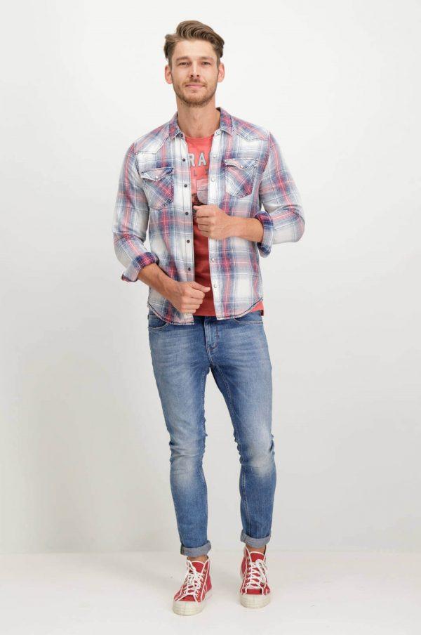 Frente da camisa de xadrez com molas para homem da Garcia Jeans