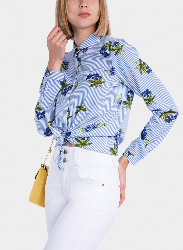 Frente de camisa estampada floral com pérola da Tiffosi