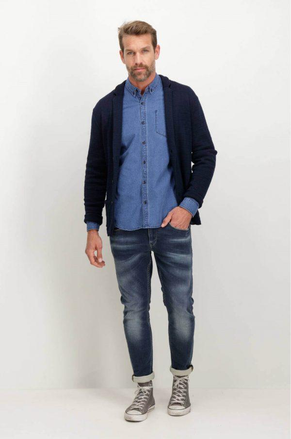 Frente da camisa azul com mangas compridas para homem da Garcia Jeans