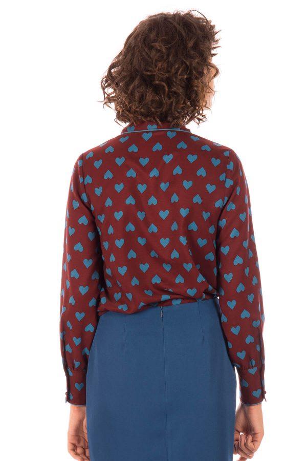 Costas de camisa com print corações para mulher da Minueto