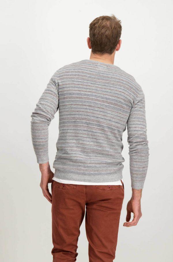 Costas da camisola cinzenta com listas para homem da Garcia Jeans