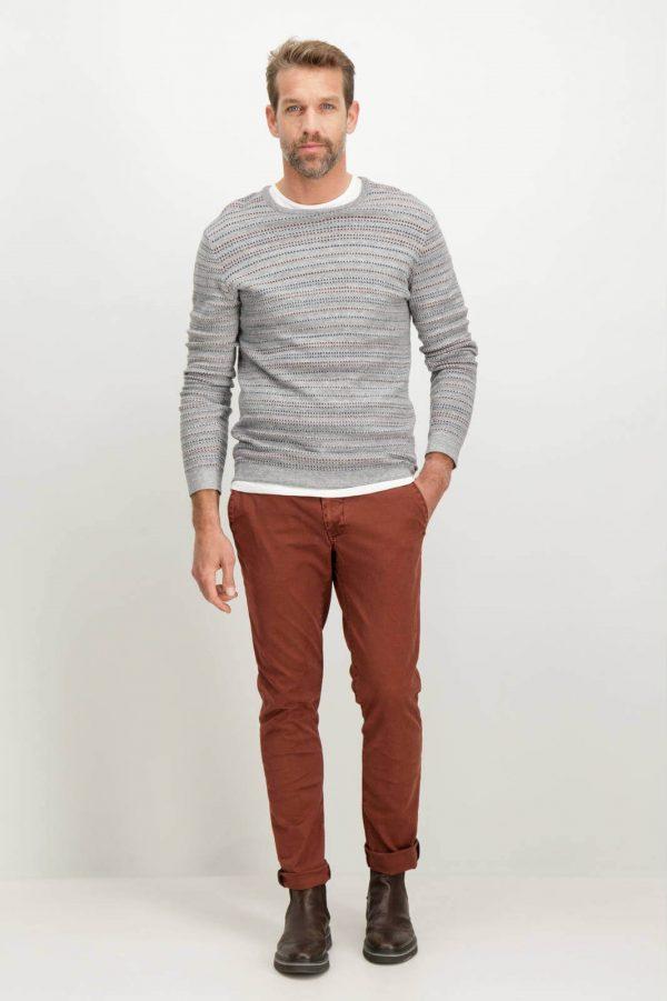 Frente da camisola cinzenta com listas para homem da Garcia Jeans