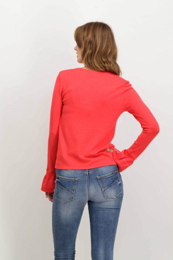 Costas da camisola vermelha com gola redonda de mulher da Garcia jeans
