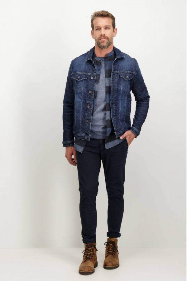 Look completo com T-shirt pré-lavada da Garcia Jeans