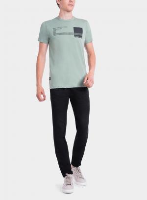 Frente de t-shirt verde estampada texto para homem da Tiffosi