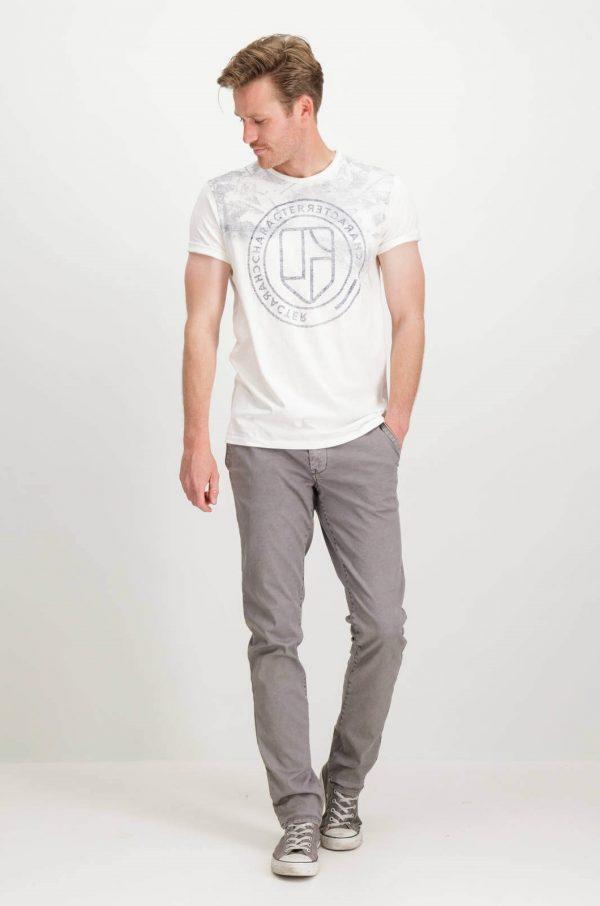 Frente de T-shirt branca com símbolo Garcia Jeans para homem