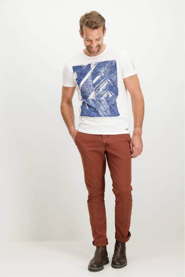 Frente de T-shirt branca bordada para homem da Garcia Jeans