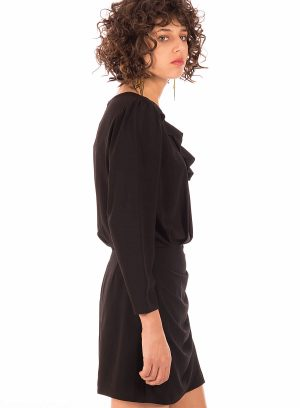 Lateral de vestido com folho em preto da Minueto