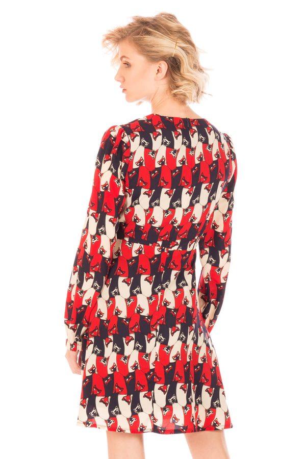Costas de vestido com print gatos em tons de vermelho para mulher da Minueto
