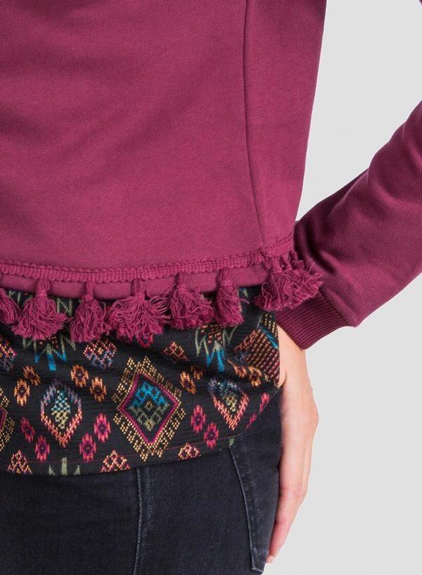 Pormenor da sweatshirt combinada borlas para mulher da Tiffosi
