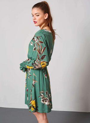 Lateral de vestido com elástico em print floral da Md`m