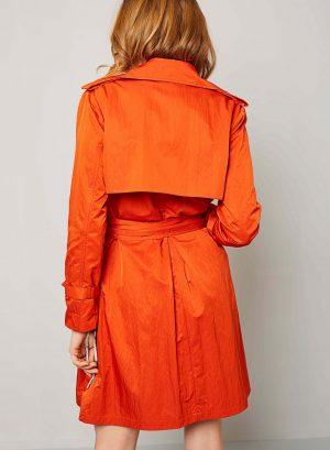 Costas da gabardina laranja com forro floral para mulher da Van-Dos