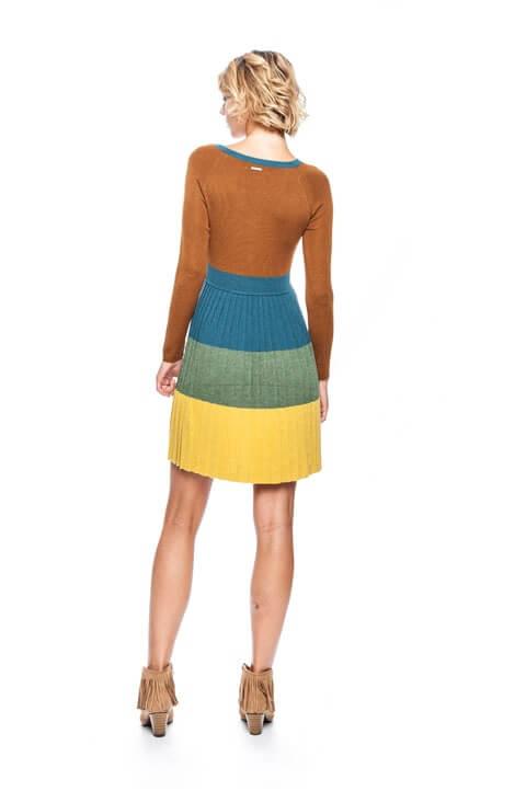 Costas de vestido multicor com decote em V da Van-Dos