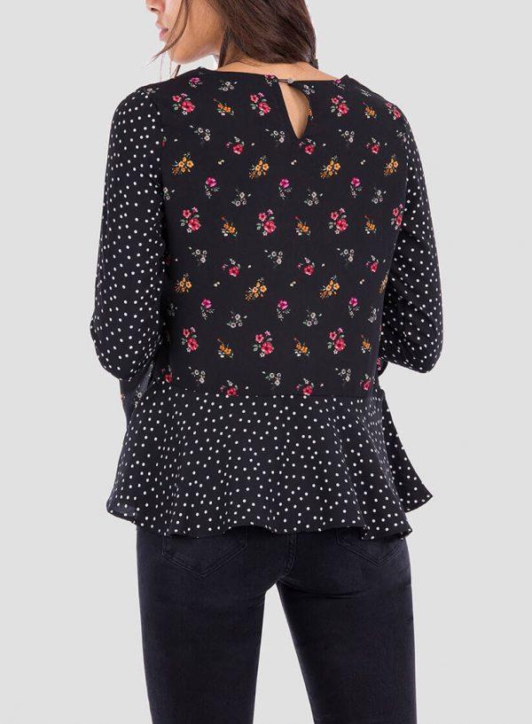 Costas da blusa combinada com folhos da Tiffosi