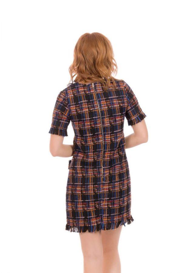 Costas de vestido em xadrez chanel com paletas da Minueto