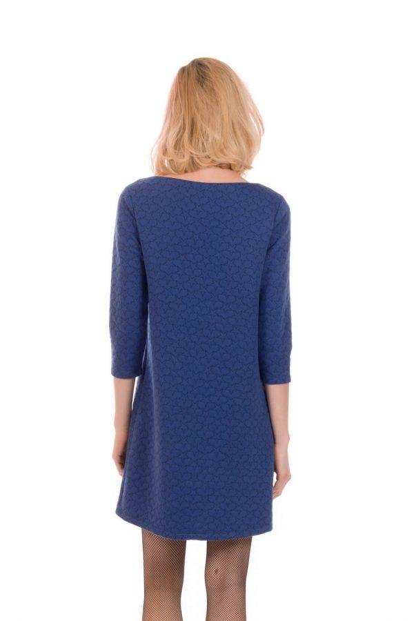 Costas de vestido de malha azul com estrelas bordadas, de manga comprida, da Minueto