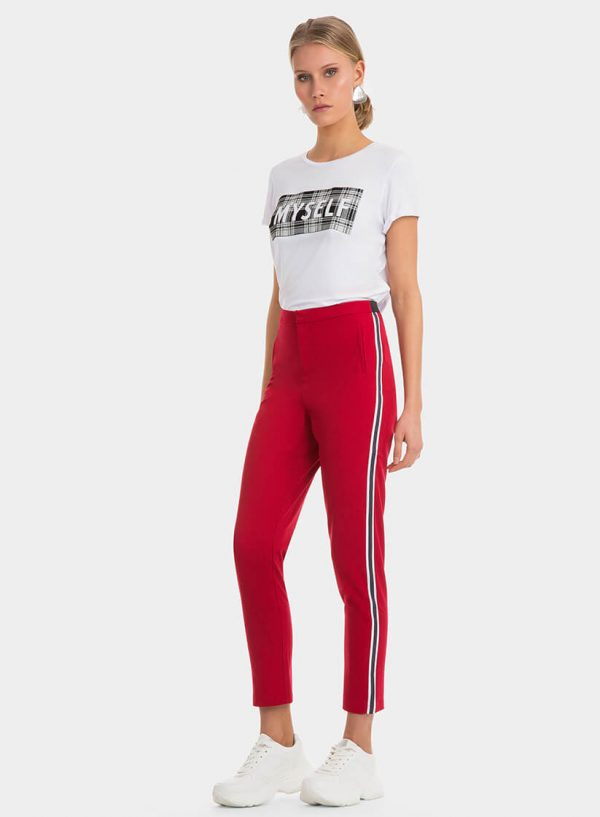 Calças vermelhas com faixa lateral, para mulher da Tiffosi