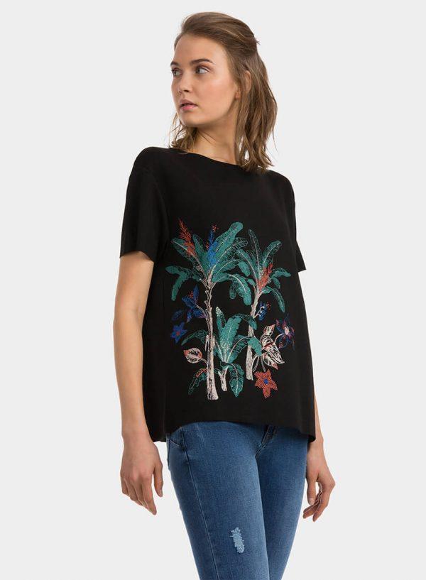 T´shirt preta com flores aplicadas para mulher da Tiffosi