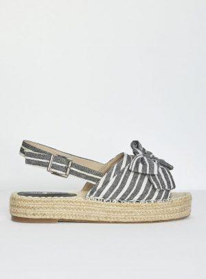 Sandália com risca preta e laço da Surkana