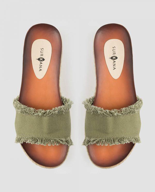 Sandália alta kaki com desfiados da Surkana