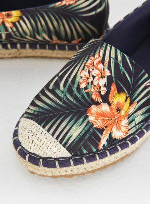 Alpercatas flores da Surkana