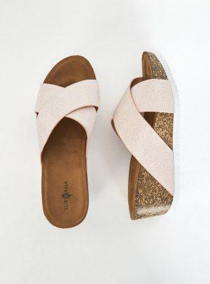 Sandália rosa com cunha da Surkana