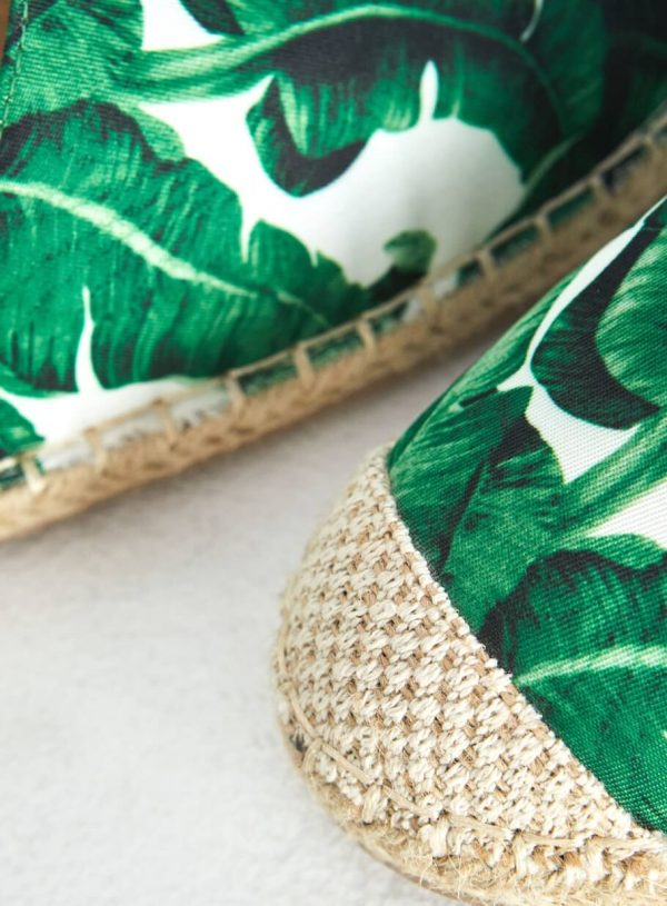 Sandália verde folha da Surkana
