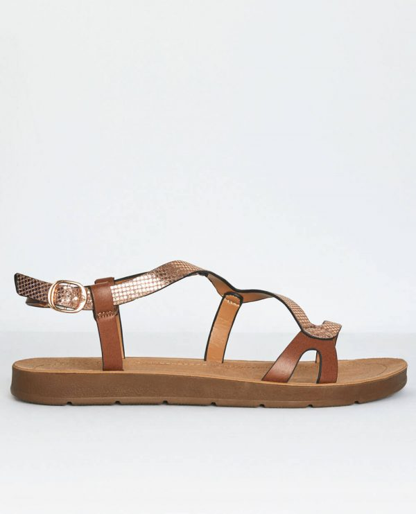 Sandália dourada com entrelaçado da Surkana