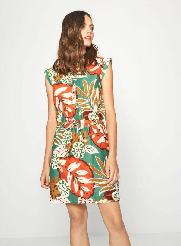Vestido de cavas com print floral da Surkana