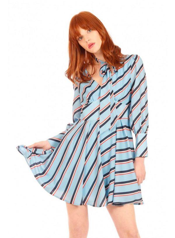 Vestido azul com risca na diagonal a abrir da Minueto