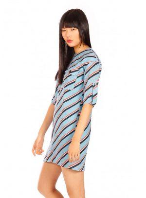 Vestido azul com risca na diagonal da Minueto