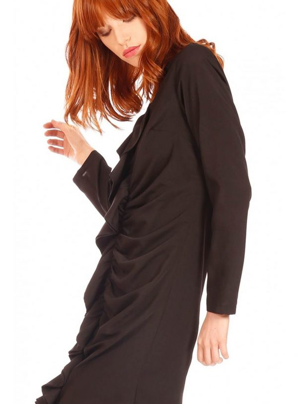 Vestido preto com drapeado da Minueto