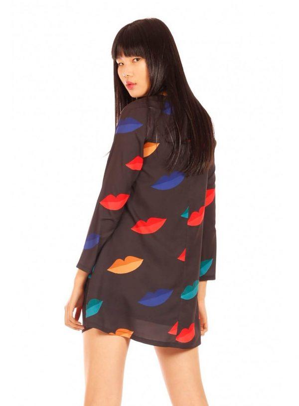 Vestido print lábios coloridos para mulher da Minueto