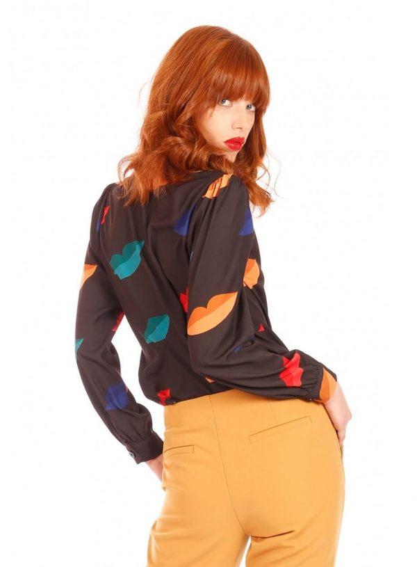 Camiseiro print lábios coloridos para mulher da Minueto