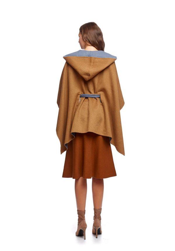 Capa com capuz e laço para mulher da Van-Dos